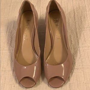 "Report ""Signorella"" 7.5 nude peep toe wedge heels"